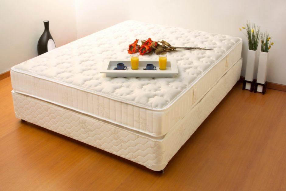 一般的なベッドマットレス・ボトム付き